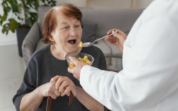 PREVENIR LA DENUTRITION – L'instant repas en EHPAD